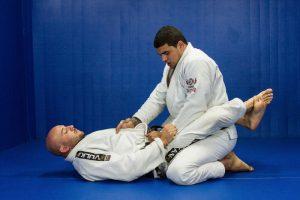 posture garde fermée technique de base jiu jitsu