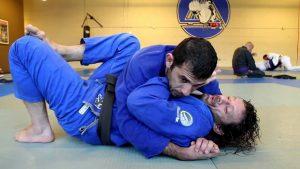debutant en jiu jitsu technique de base 100kg controle latéral